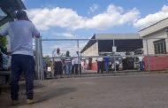Trabalhadores do transporte público estão em greve desde sexta-feira em São João del Rei