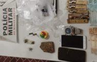 PM de Prados prende homem por tráfico, além de apreender drogas e materiais diversos