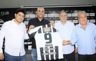 Com passagens por Corinthians e outros grandes, ex-atacante Roger é o novo técnico do Athletic de SJDR