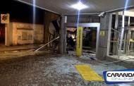Bandidos explodiram 2 caixas eletrônicos nesta madrugada