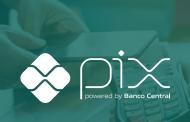 Bancos começam a cobrar taxas no PIX