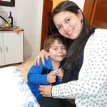 Roberta e seu filho Arthursinho