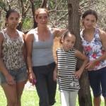 Jéssica, Priscila, Gabriela e sua mãe Cristina