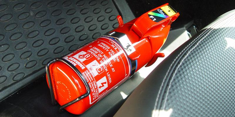 foto-extintor-de-incendio-carro