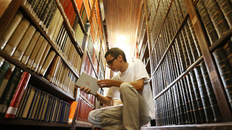 size_810_16_9_livros-biblioteca-rapaz