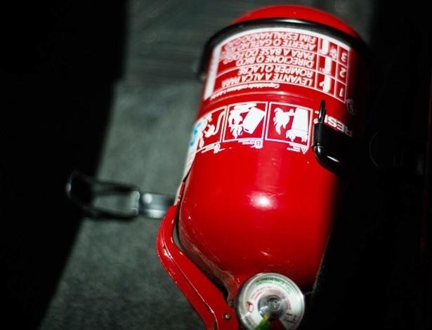 extintor-de-incendio-em-carro-1442510840044_615x470