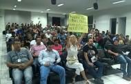Protestos contra Vereadores em Carandaí e Dores de Campos