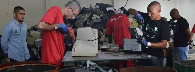 Crédito: carlos Alberto/Imprenda MG Local: Seresp Juiz de Fora Data: 23/03/2018 Assunto: Inauguraçao galpão de reciclagem de material eletrônico, Diretor Geraldo da Cunha