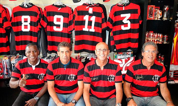 Na imagem: Adílio, Nunes, Júlio César e Rondinelli. Das 4 lendas que vestiram a camisa do Flamengo, três estarão em Dores de Campos.